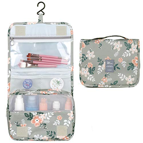 Hanging toiletry bags for study abroad